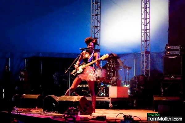 Noisettes at Oxegen Festival Ireland 12th July 2009
