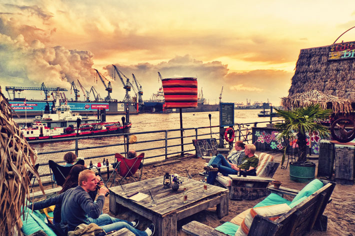 StrandPauli beach bar, such an awesome place where you can drink and eat while you watch the biggest ships in the world glide by!